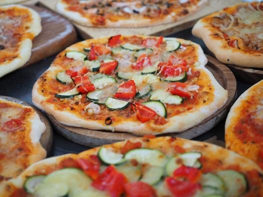 pizza-2119645_1920